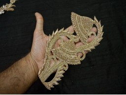 Wedding Decoration 1 Pieces Tiny  Paisley Embroidery Appliques Indian Rhinestone Golden Applique Beaded Bridal Gown Appliques Headband Garments Appliques Crafting Sewing Designer Appliques