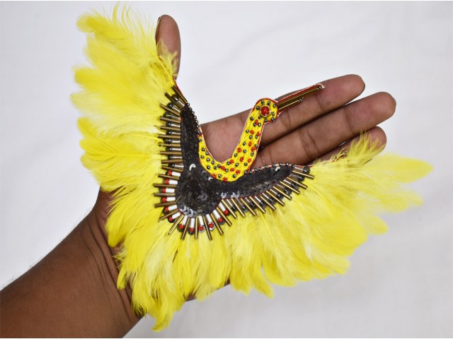 Designer décor dresses scarpbooking 1 Pair Yellow Crane Natural Real Feather Decorative Bugle beaded embellishments embroidery handcrafted appliques crafting supplies sew on patch decorative denim handmade patches appliqués