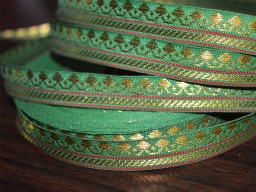 Green hand loom border with gold zari Trim