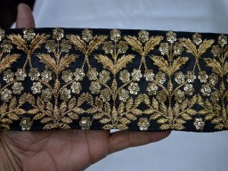 3.8 Inch wide Black Embroidered Saree Border Fabric Trim By The Yard Indian Laces and Trims Wholesale Trimmings Ribbon Indian Sari Border gold indian trimming