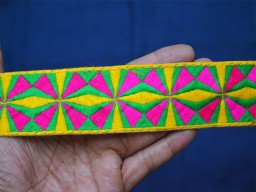 Magenta Green and Yellow 1.7 Inch wide Decorative Crafting fabric trims and embellishments Embroidered Indian Laces and Trim Sari Border Sewing Trim By 9 Yard Trim Clothing Accessories