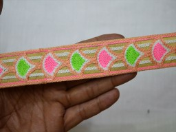 Wholesale Fabric Trim and Embellishment Sari border Crafting Ribbon Indian Laces Decorative Trim By 9 Yard Saree Border Embroidered Trim