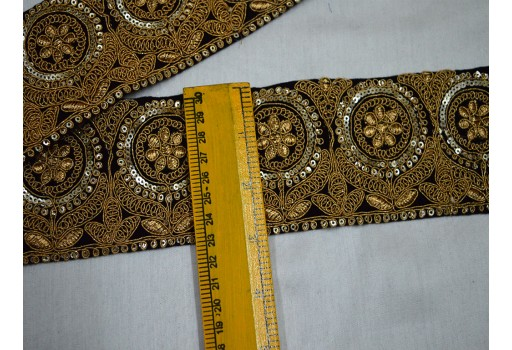 Black Velvet Saree Border Fabric Trim For Western Dresses Wholesale Trimmings Ribbon Indian Sari Border gold Indian Embroidered Laces and Trims By The Yard