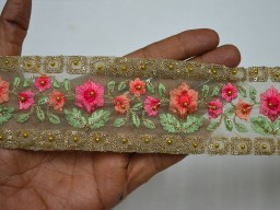 1.5 Inch wide Green and Gold Embroidered designer Fabric Trims Wholesale Peach Saree Border Fabric Trim By The 9 Yard Crafting Sewing Embroidered Sari Trimmings Ribbon Home Décor Clothing Accessories
