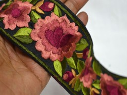 Embroidered sari border peach rosewood green embroidered trim by the yard beautiful stunning ribbon embellishment silk sari lace for designing stylish jewellery making