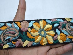 Wholesale yellow embroidered clothing accessories sewing decorative floral pattern border scrap booking trim by 9 yard crafting ribbon for beach bag trimmings