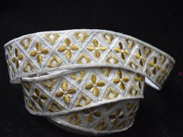 Christmas supplies purse making ribbon wedding wear dress design trim by 2 yard white and gold decorative embroidery costume design lace embellishment sewing crafting trimmings garments accessories fancy dress border