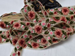 Indian online wedding decoration material stylish lace wholesale floral maroon embroidery tapes saree ribbon by 9 yard embroidery border fashion costume trimming sewing trims for skirts embellishment