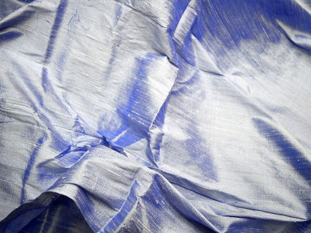 Iridescent white blue dupioni fabric by yard wedding bridesmaid dresses indian raw silk pillowcases drapery cushions costume upholstery wedding wear fancy dress fabric