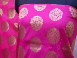 Banarasi Fabric for lehenga Skrit