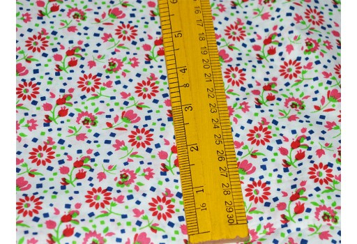 Cotton fabric in Tiny Floral Print for