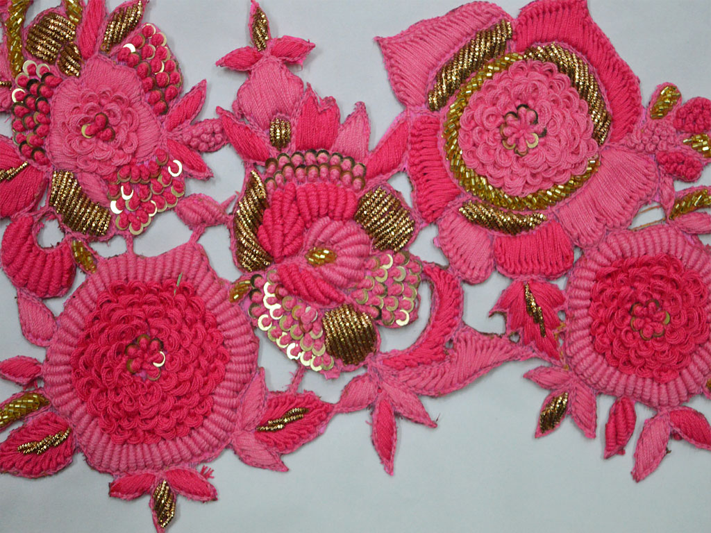 1 Pieces Floral Design Appliques in Bright Pink