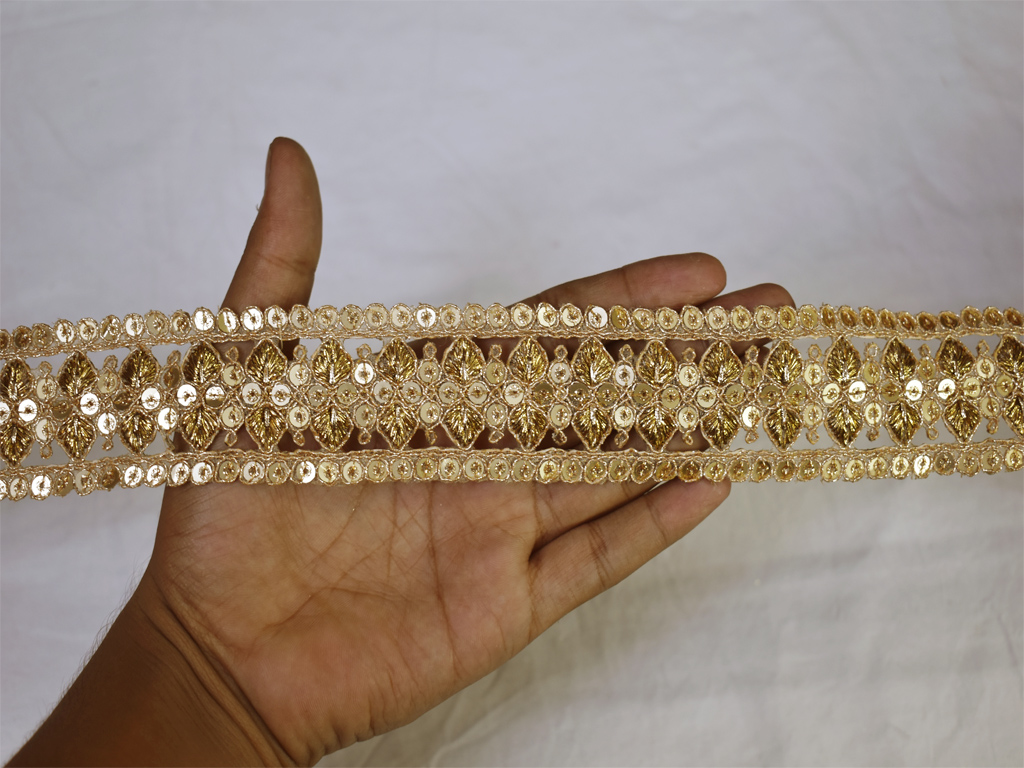 2 yard Home decor sequins work indian decorative borders designer fancy beige fabric gold laces beautiful saree trim for dupatta embroidered tape garment accessories ribbon crafting sewing beach bags trimming